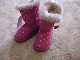 Girls winter shoes NEW size 4