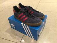 Adidas jeans size 7.5