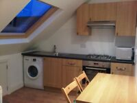Newly refurbished studio flat 3 minutes walk from tube and shops