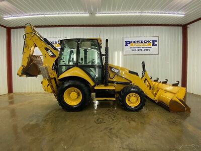 CATERPILLAR 420F CAB BACKHOE LOADER WITH AC/HEAT, AUTO IDLE AND 4X4!