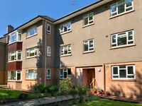 3 bedroom flat in Great Western Road Chesterfield Court , Anniesland, Glasgow, G12 0BJ