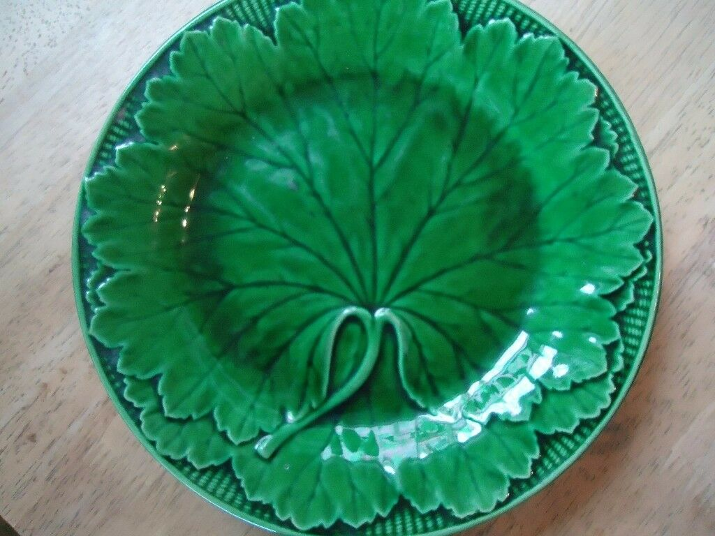 wedgewood majolica green cabbage plate