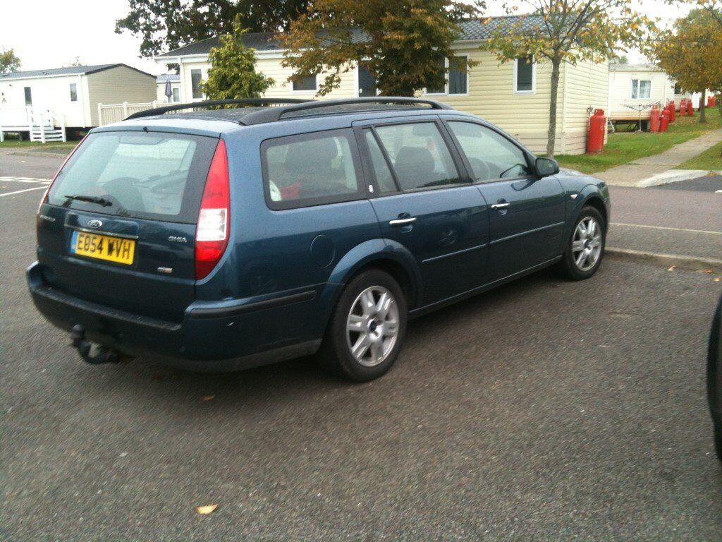 Ford 2004 Mondeo Estate Ghia Blue with 170000 miiles 6 gears in good condition new clutch years MOT