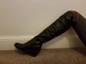 Boots black size 7 uk