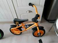 TOY SMALL BIKES £15 EACH,SCOOTERS X3 £7 WILL SEPARATE SOUTHEND OR LAINDON PICK UP