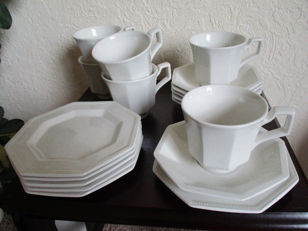 Johnson Brothers - Heritage - 18 piece tea set from the 80\'s - 6 ...