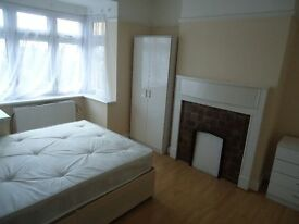 Double room £475 – ALL BILLS INCLUDED – WILL BE TAKEN VERY FAST!