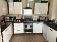 Kitchen unite, side boards, cooker, hob, extractor