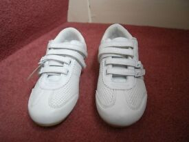 Ladies white trainers. Size 4
