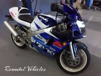 "1998 ""S"" reg Suzuki 600 sports bike, low miles 22000, long mot JUNE 2018 Lovely looking bike"