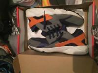 Size 10 Nike Huaraches