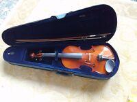 Student violin. 4/4 size. Starter instrument. Excellent condition