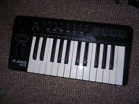 Alesis QX25 Midi /USB keyboard synthesiser controller