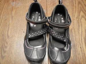 Girls Shoes size 2 - 5 Peterborough Peterborough Area image 5