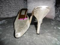 Gold Faith shoes size 7