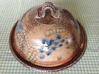 Strathdon Stoneware dish in Excellent condition 25cm in Diametre.