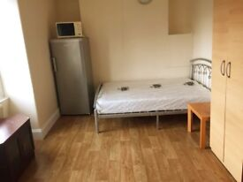 DOUBLE ROOM TO LET ALL BILLS INC