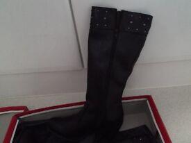 Barretts Ladies Boots