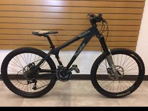 Vélo de Dirt / Freeride Hardtail BANSHEE Morphine **très propre**  #F016880