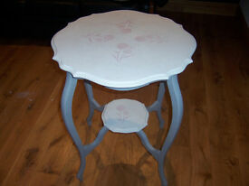 VINTAGE OAK SIDE/HALL/CONSOLE TABLE RECENTLY REFURBISHED