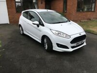 Ford Fiesta 1.0 EcoBoost, 125 Zetec S, 3dr in White, in superb condition.