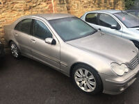 Mercedes c220 2.1 diesel 54-plate 2005 manual! (SPARES OR REPAIRES BEEN STOOD 2 YEARS) DOESNT RUN!!!
