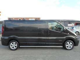 * FINANCE ME - NO VAT * Renault Trafic Sport LWB Panel Van - Full Service History in Midnight Black!