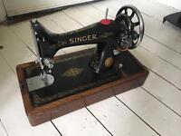 Beautiful Original SINGER SEWING MACHINE with Cover in perfect condition