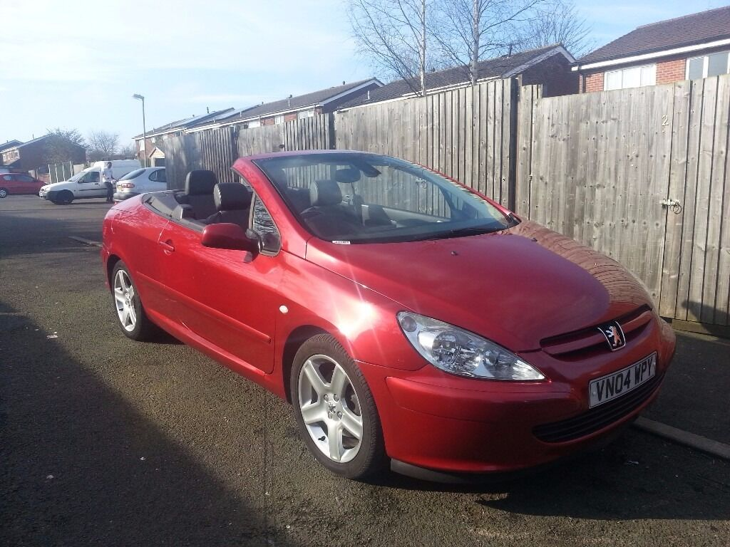 grab a bargain peugeot 307 convertible in stunning red. Black Bedroom Furniture Sets. Home Design Ideas