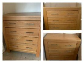 Solid oak chest of drawers 2 x 3 drawers, 1 x 4 drawers in excellent condition