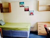 *** Double room, at WEST CLIFF in B'mouth *** WR