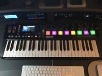 Akai Advance 49 MIDI Controller Keyboard with VIP Software Bundle