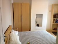 SHORT TERM ONLY Great Double in a Modern 3 Beds Flat