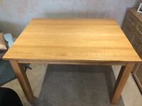 Solid Oak Dining table 1200 x 900
