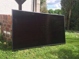 Nearly new Sony 55 Inch HD TV with wall bracket