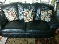 3 piece leather sofa very good condition