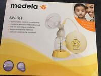 MEDELA Swing Electric Breast Pump (Nearly New)