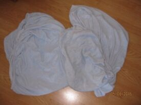 2 Cot/bed sheets in blue. They are fluffy size 70cm x 140cm by Bruin