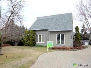 357 877$ - Maison à un étage et demi à vendre à Chicoutimi