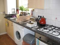 Stunning 3 bed with balcony- Furzedown/ Tooting