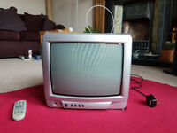 Small Matsui Portable CRT TV – Perfect for Retro Gaming