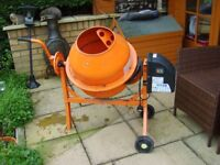 SMALL CEMENT MIXER USED ONCE AND WELL CLEANED AFTERWARDS