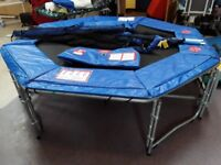 Large Trampoline with safety net and pads