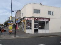 Shop to let on busy road. Suitable for estate agents or hair saloon/barber
