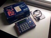 Akai MPC 1000 Sampler/Sequencer JJOS 128MB in box with manual/power/usb