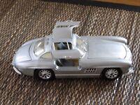 Mercedes Benz 1954 300 SL 1.24 scale in metallic silver