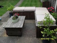 Garden seat unit with cushions