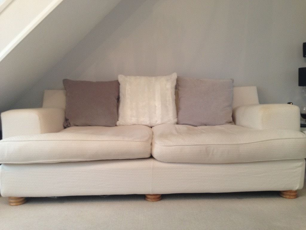 free large cream 3 seater sofa free in totton hampshire gumtree. Black Bedroom Furniture Sets. Home Design Ideas