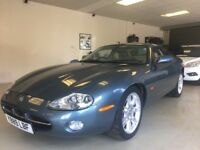 2001 JAGUAR XK8 4.0 V8 AUTO COUPE - 13 JAGUAR SERVICE STAMPS - OATMEAL LEATHER , IMMACULATE