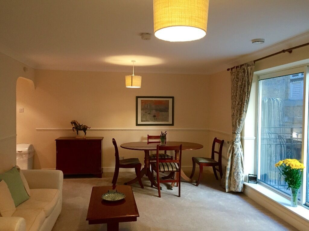 Superb 2 bed 2 bath short let in the heart of the City